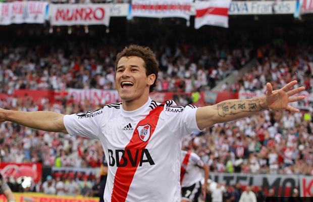 Rodrigo Mora no te vayas nunca